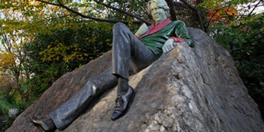 Dublin-Statues-Oscar-Wilde-400x200