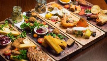 13 Pubs In Ireland Where You Can Get A Seriously Good Feed