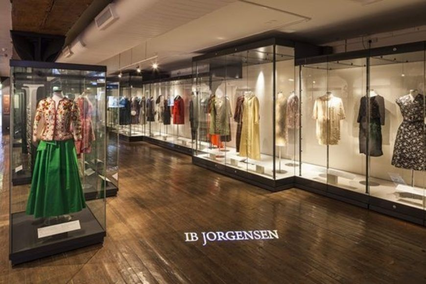 Ib Jorgensen Gallery2C Long Wall Case