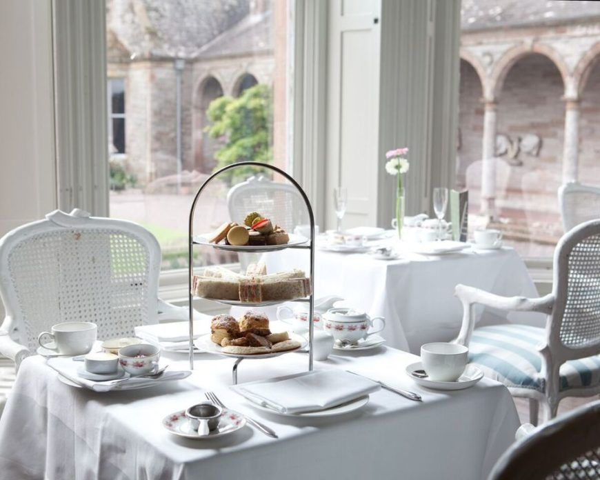Leslie Afternoon Tea In The Castle Preview