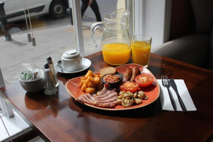Oms Breakfast For Brunch Advert