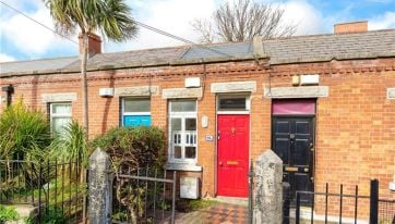 PICS: You Can Now Buy Dublin's 'Skinniest House' For €285,000
