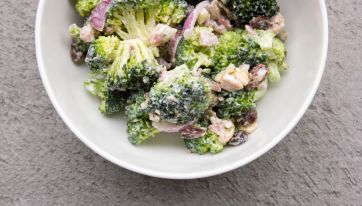 RECIPE: Five Minute Healthy Broccoli Salad - Perfect For BBQs