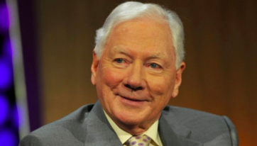Dublin flag to be flown at half-mast as book of condolence opens for Gay Byrne