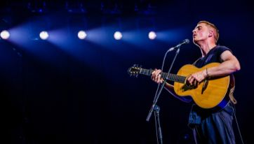 Dermot Kennedy to perform free intimate gig in Dublin next week