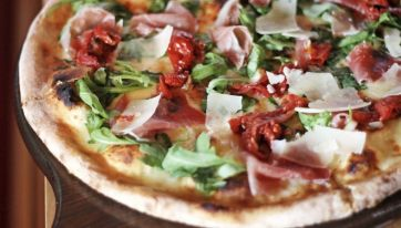 You've had enough Pizza Napolitana, it's time to appreciate Pizza Romana