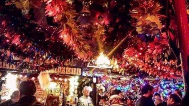 Majestic Christmas.Pics This Dublin Pub Resembles A Majestic Christmas Grotto