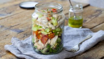 10 Simple Salads To Make This Week For Some Healthy Lunches