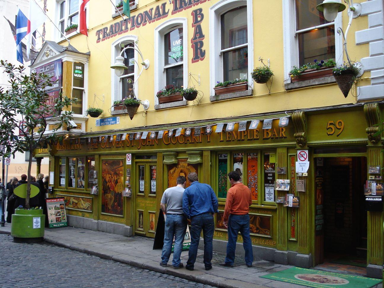 Temple_Bar_Dublin_Ireland