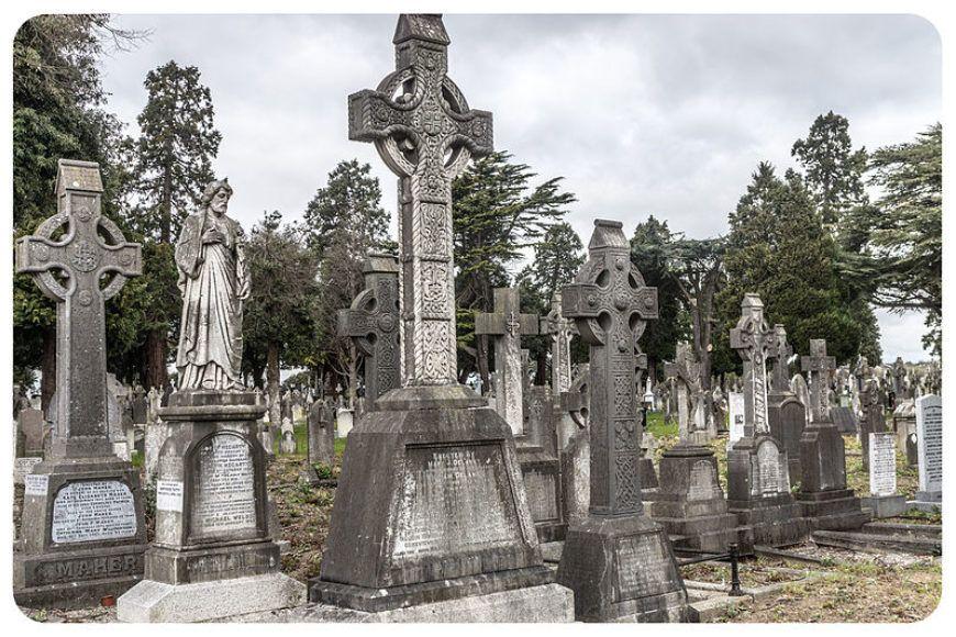 Image-1-gravestones
