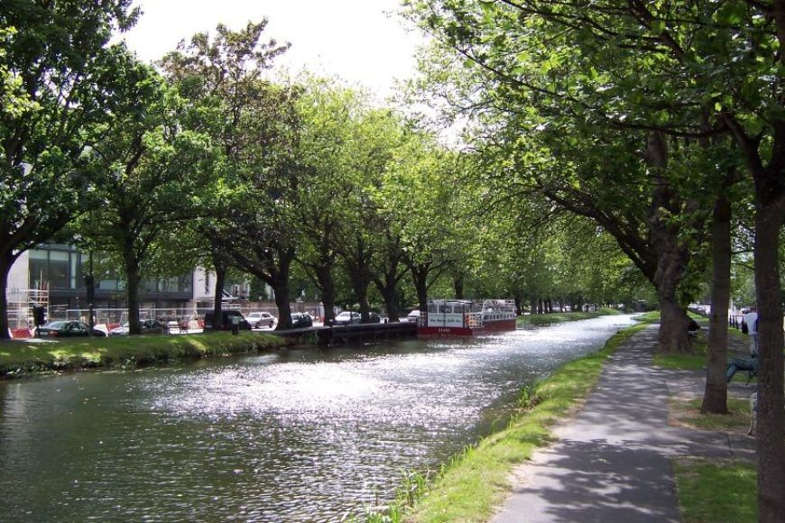 8-Grand Canal at Wilton Terrace Dublin