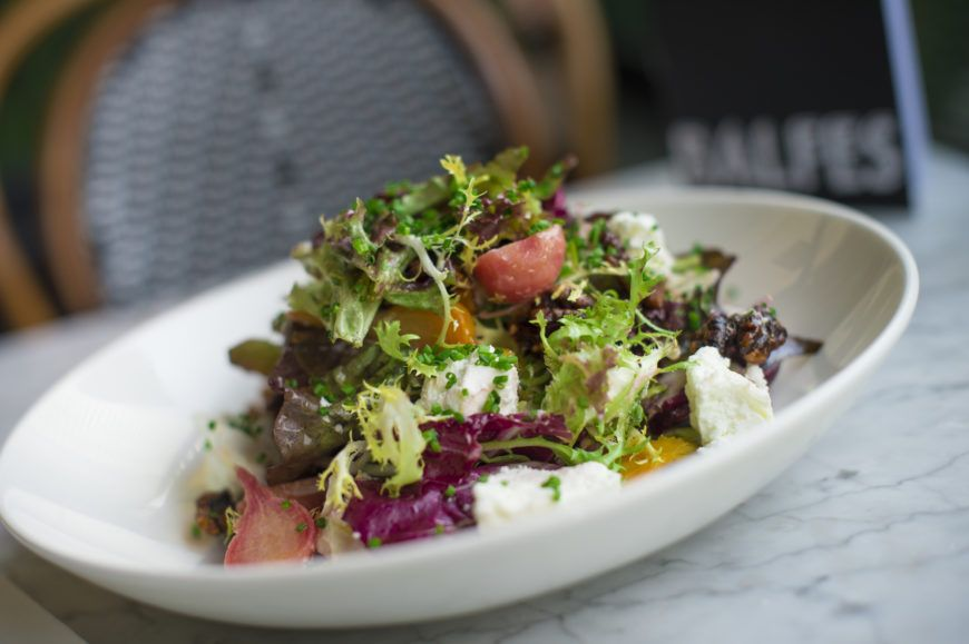 Fivemile-town-goats-cheese-salad-with-pickled-beetroot-candied-walnut-Cabernet-Sauvignon-dressing-2