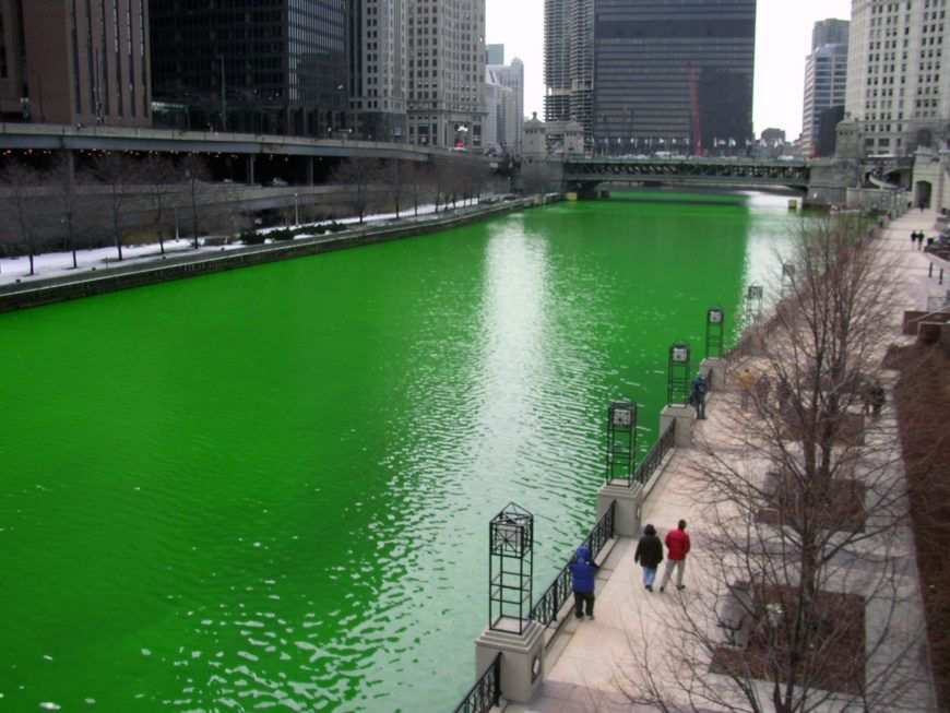 Chicago River dyed green focus on river