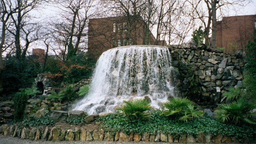 Iveagh Gardens Wasserfall