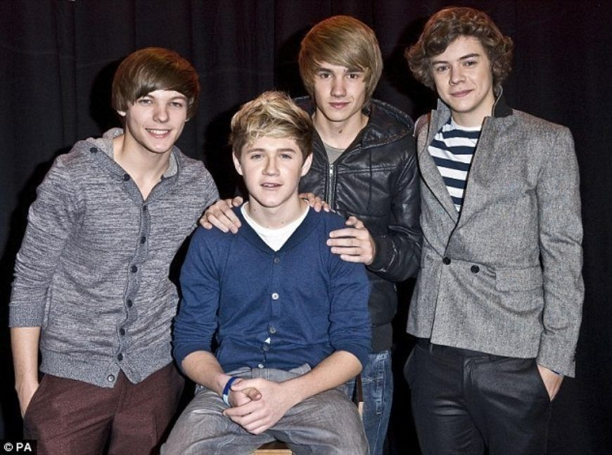 1-Direction-Minus-Zayn-Cuz-He-Had-To-Rush-Home-4-Personal-Reasons-one-direction-17395566-634-471