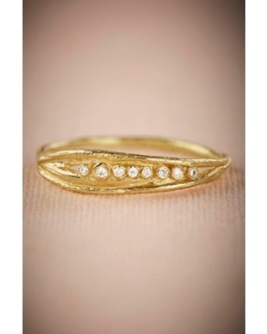 Roble Diamond Ring