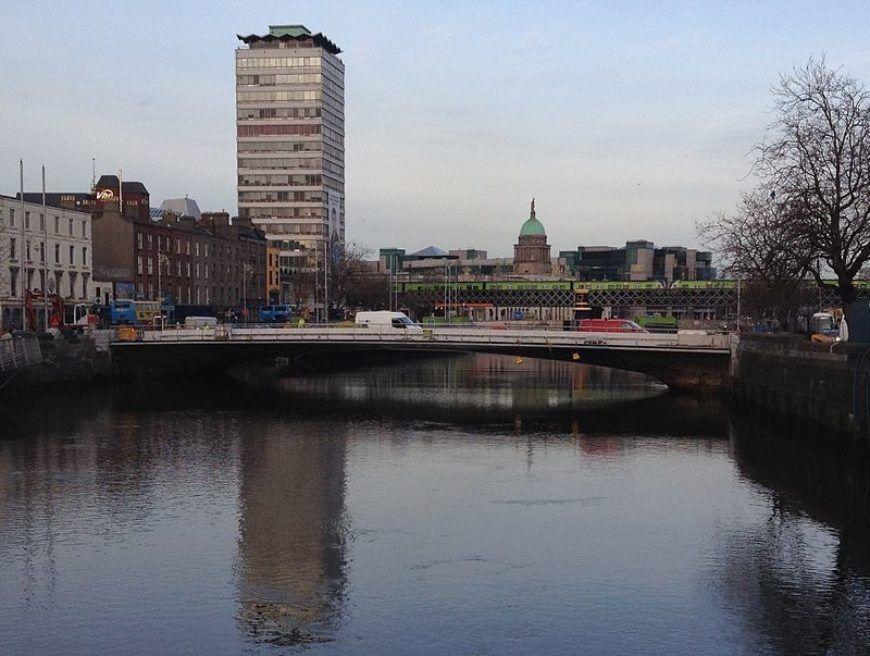 Rosie Hackett Bridge Dublin Ireland Looking Downstream From Oconnell Bridge Zoomed