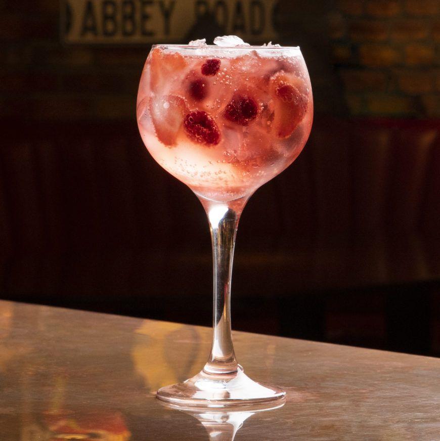 Berry Pink Gin Fizz