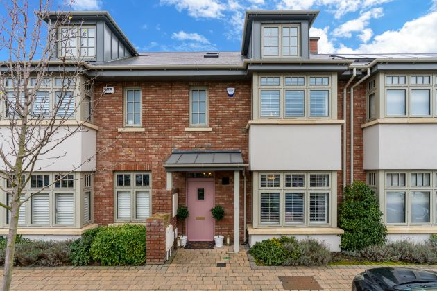2 The Close, Hazelbrook Square, Churchtown, Dublin 14