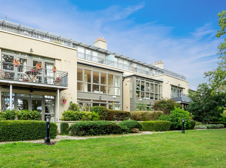 11 Beckett Hall, Carrickmines Wood, Foxrock, Dublin 18