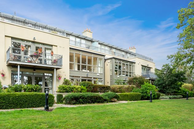 11 Beckett Hall, Carrickmines Wood, Foxrock, Dublin 18
