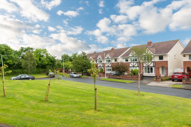 9 Orby Lawn, The Gallops, Leopardstown, Dublin 18