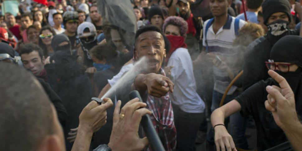 Protests in Rio as police make...
