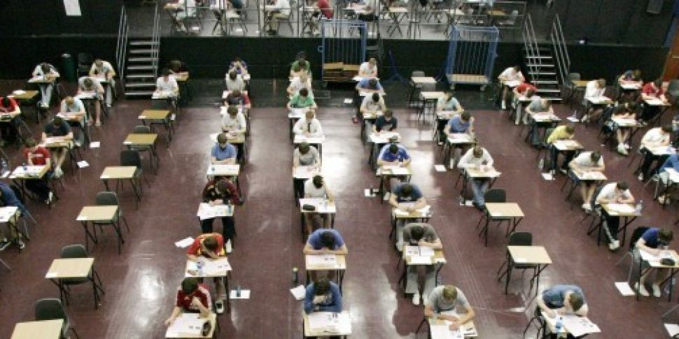 More than 61,000 students to r...