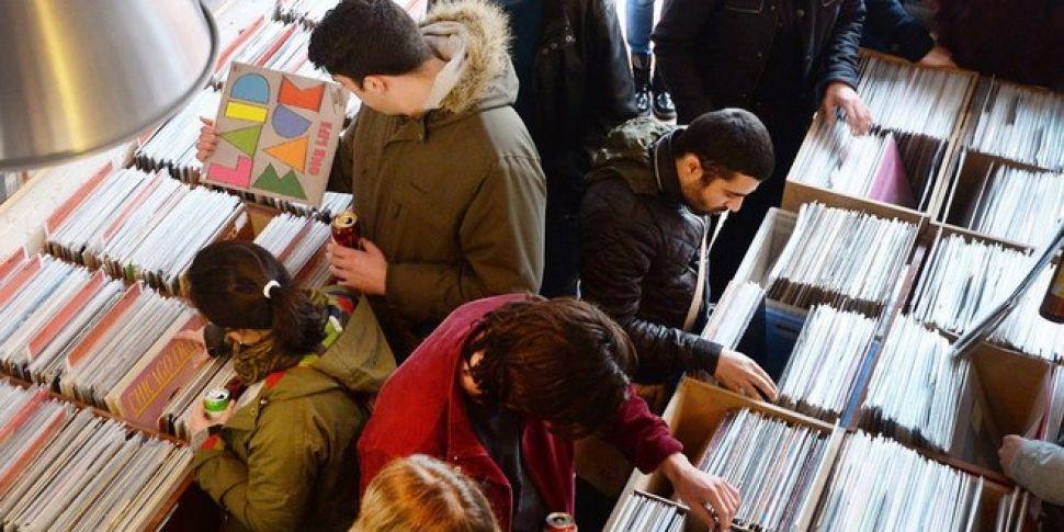 Sales of vinyl hit 25-year-hig...