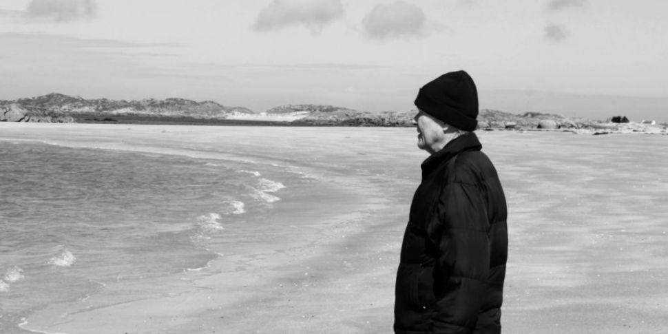 Leaving The Island: Documentar...