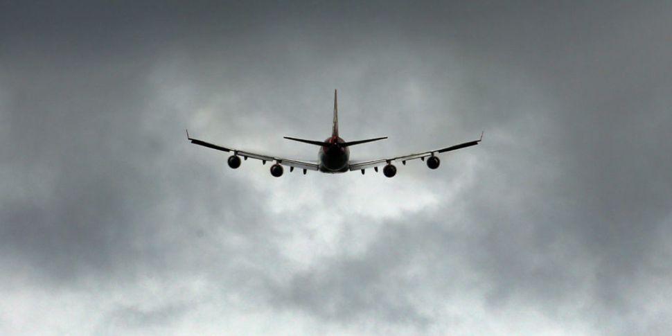 Flights resuming at London's G...