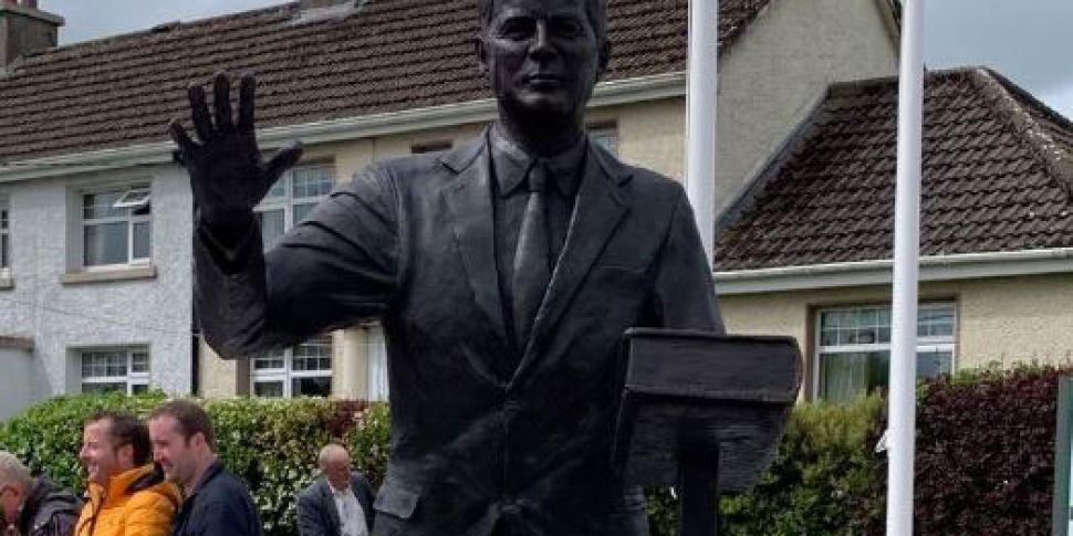JFK statue unveiled in ancestr...
