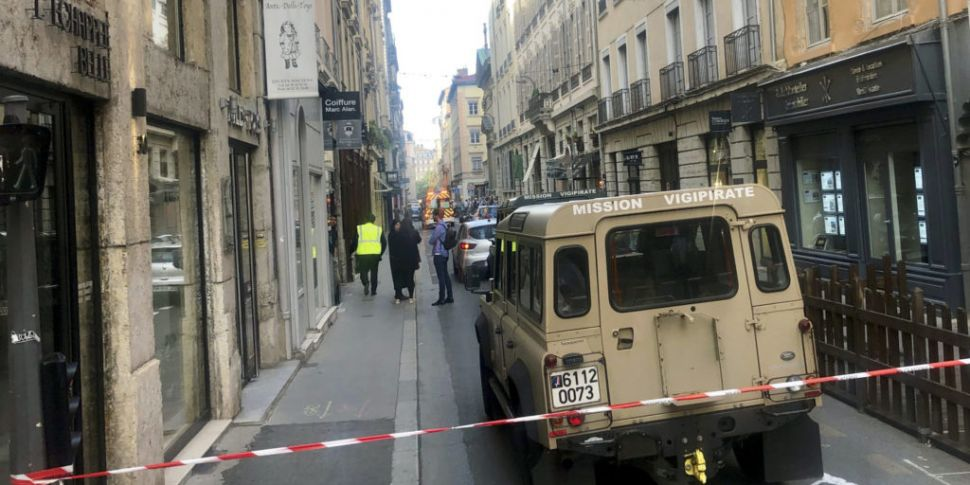 At least eight injured in blas...