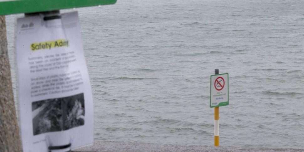 Week-long swimming ban in Dún...