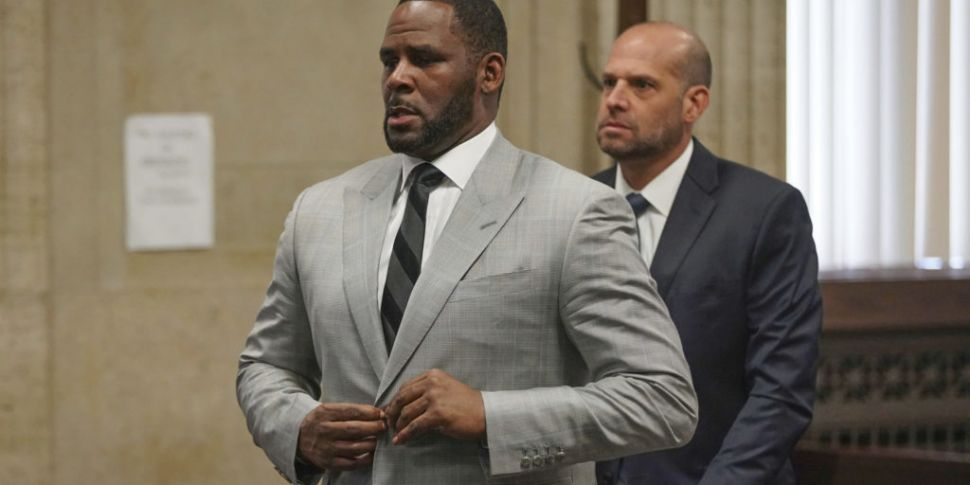 R Kelly arrested on federal se...