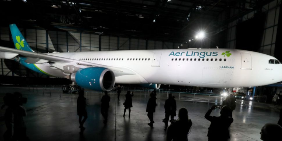 Aer Lingus sees profits fall s...