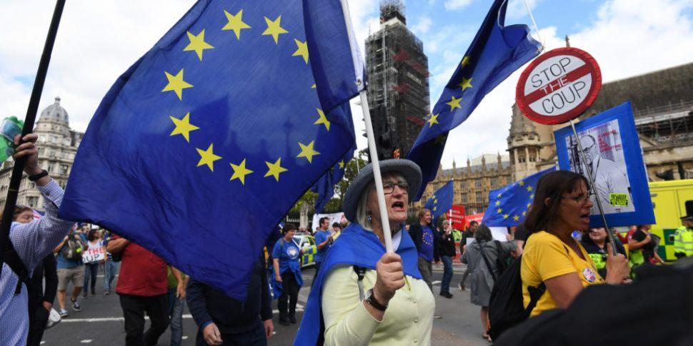 British MPs clear key hurdle o...