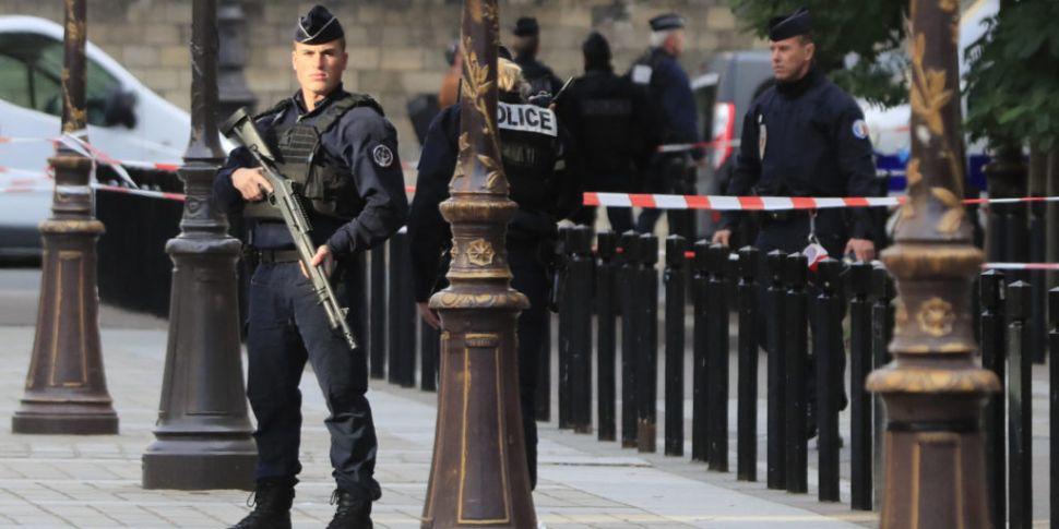 Anti-terror police take over i...
