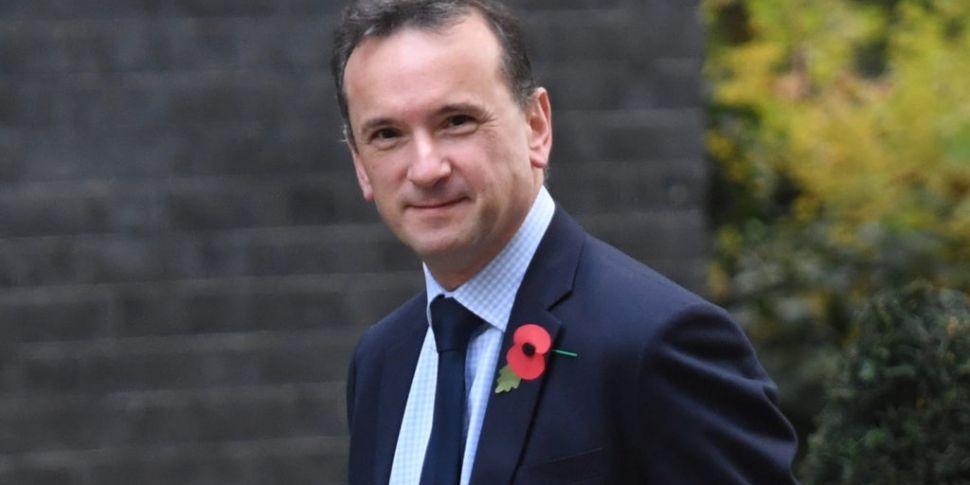 Welsh Secretary resigns in blo...
