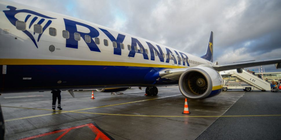 Ryanair to shut bases in Cork...