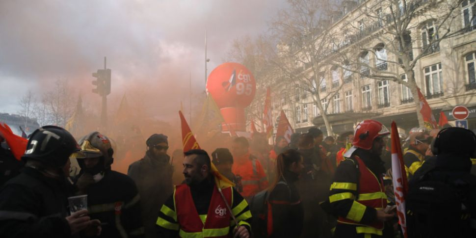 French police use batons and t...