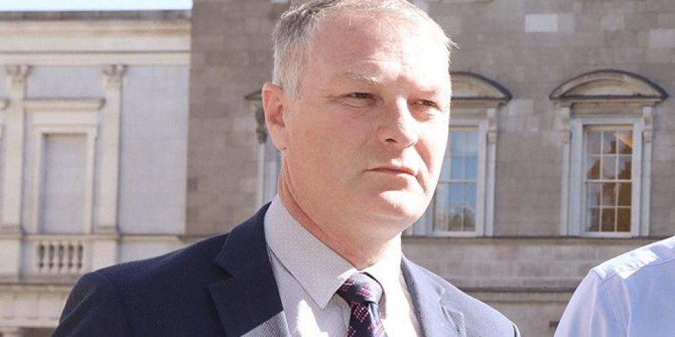 Sinn Féin urges Fianna Fáil to...