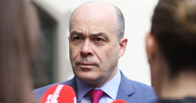 Denis Naughten to seek nomination to be Ceann Comhairle | Newstalk
