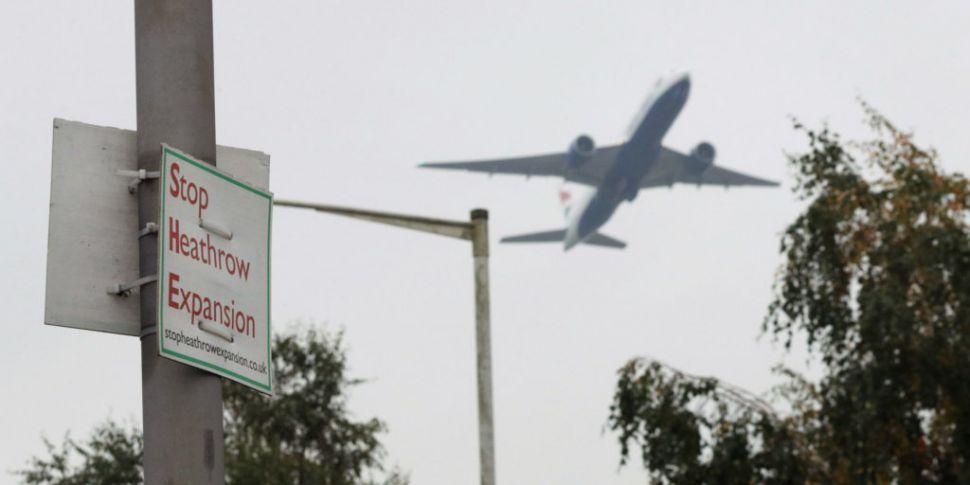 London's Heathrow Airport refu...