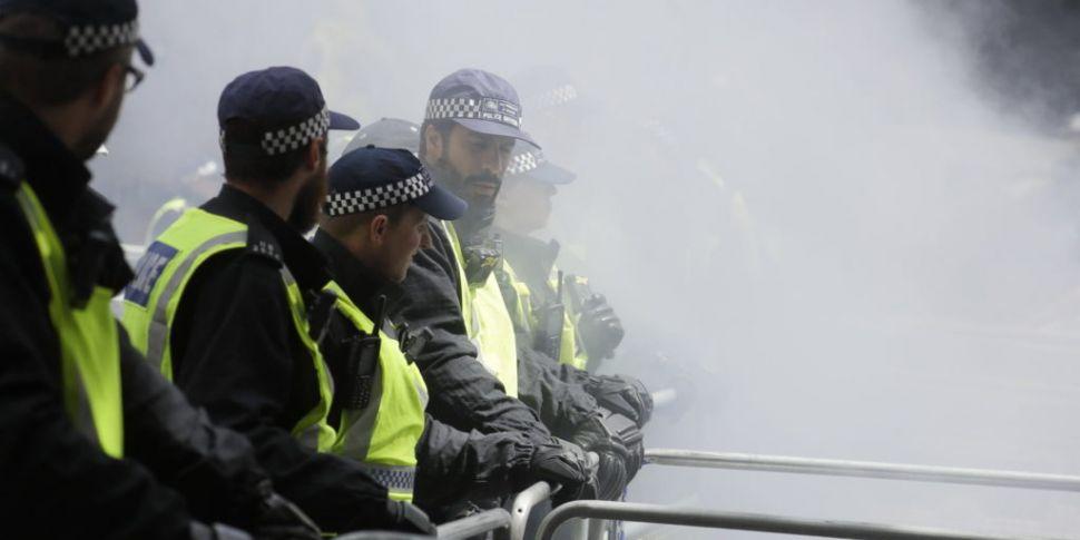Far-right protesters clash wit...