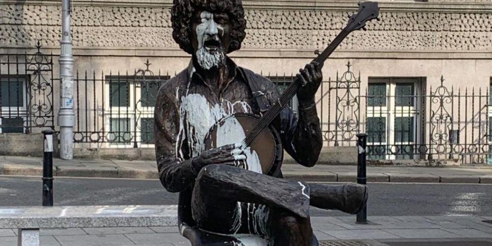 Both Luke Kelly statues in Dub...