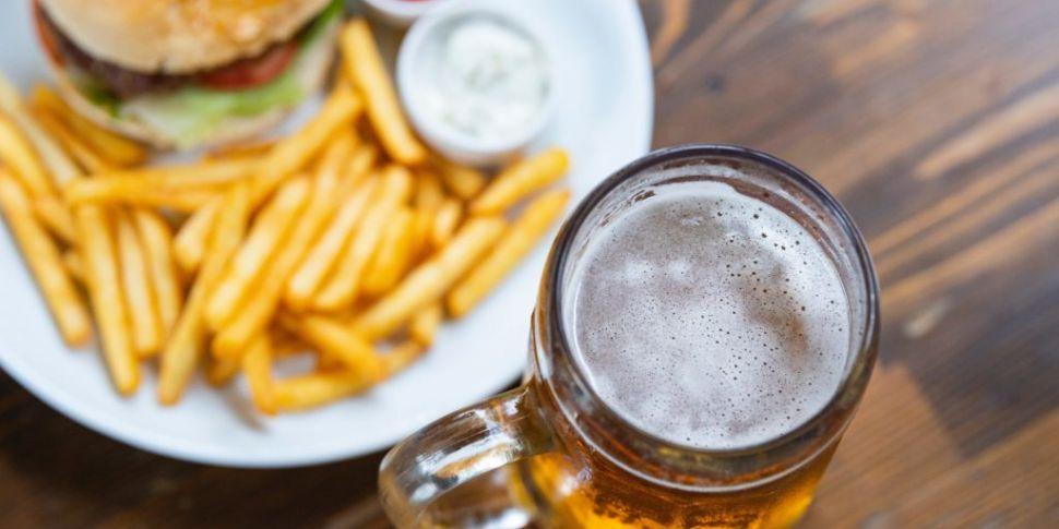 Should 'wet pubs' open? Fáilte...
