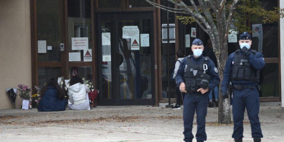 Man killed in Paris terror att...