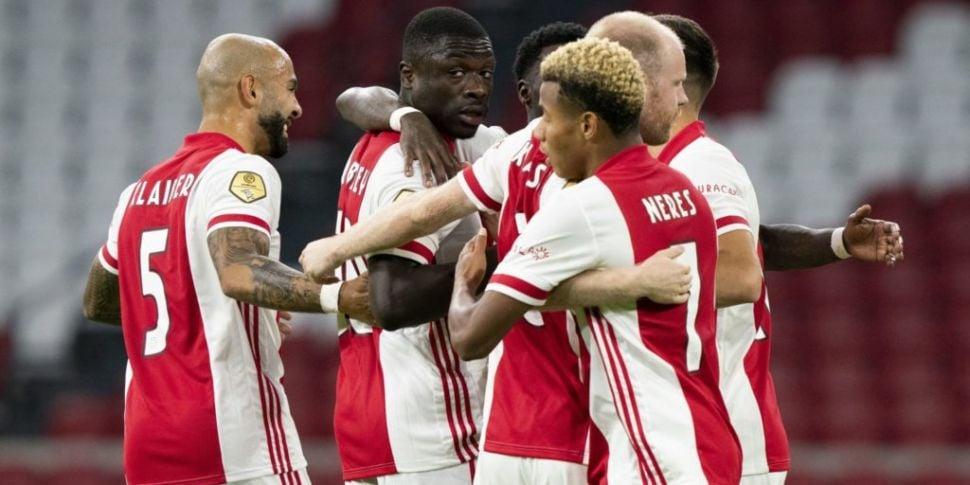 Ajax melt down Eredivisie trop...