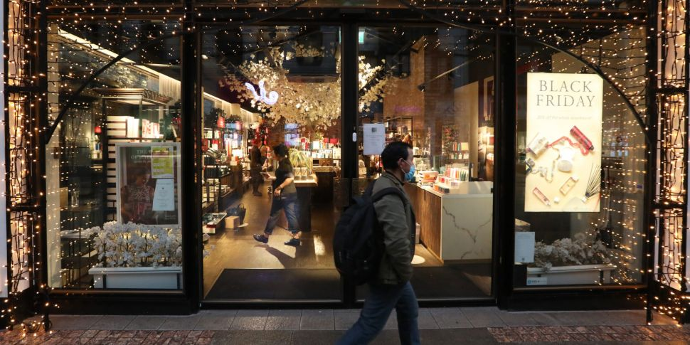 Shops re-open as level three r...